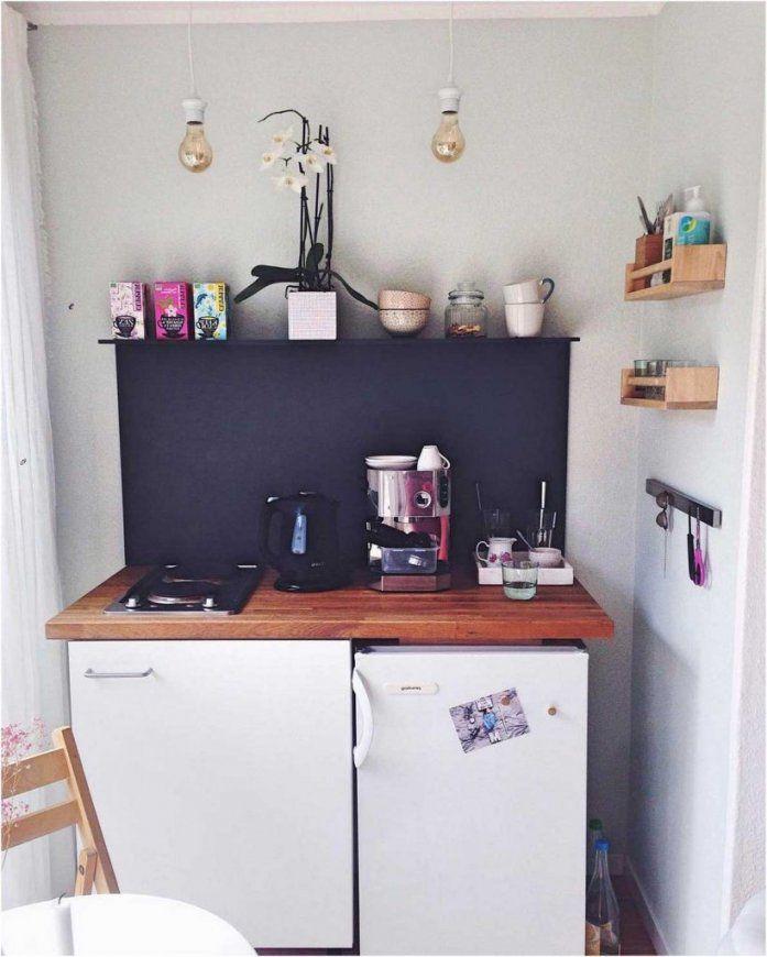Bild Lieblich Kleine Küche Einrichten Ideen Kleines Wandregal  Lapazca von Ideen Für Kleine Küchen Photo
