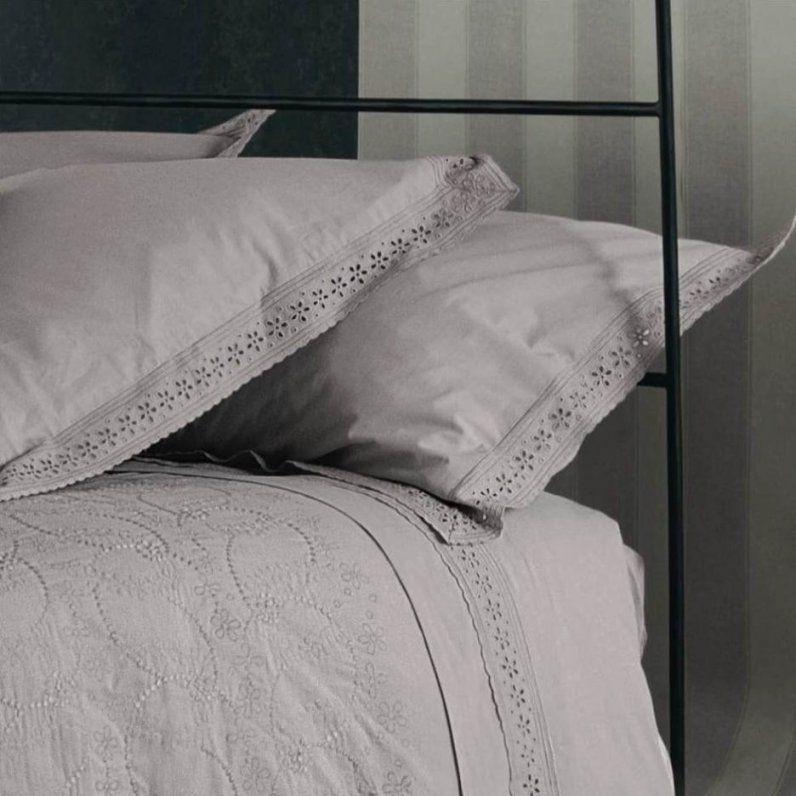 Blühende Ideen Romantische Bettwäsche Im Landhausstil Und Zufriedene von Romantische Bettwäsche Im Landhausstil Photo