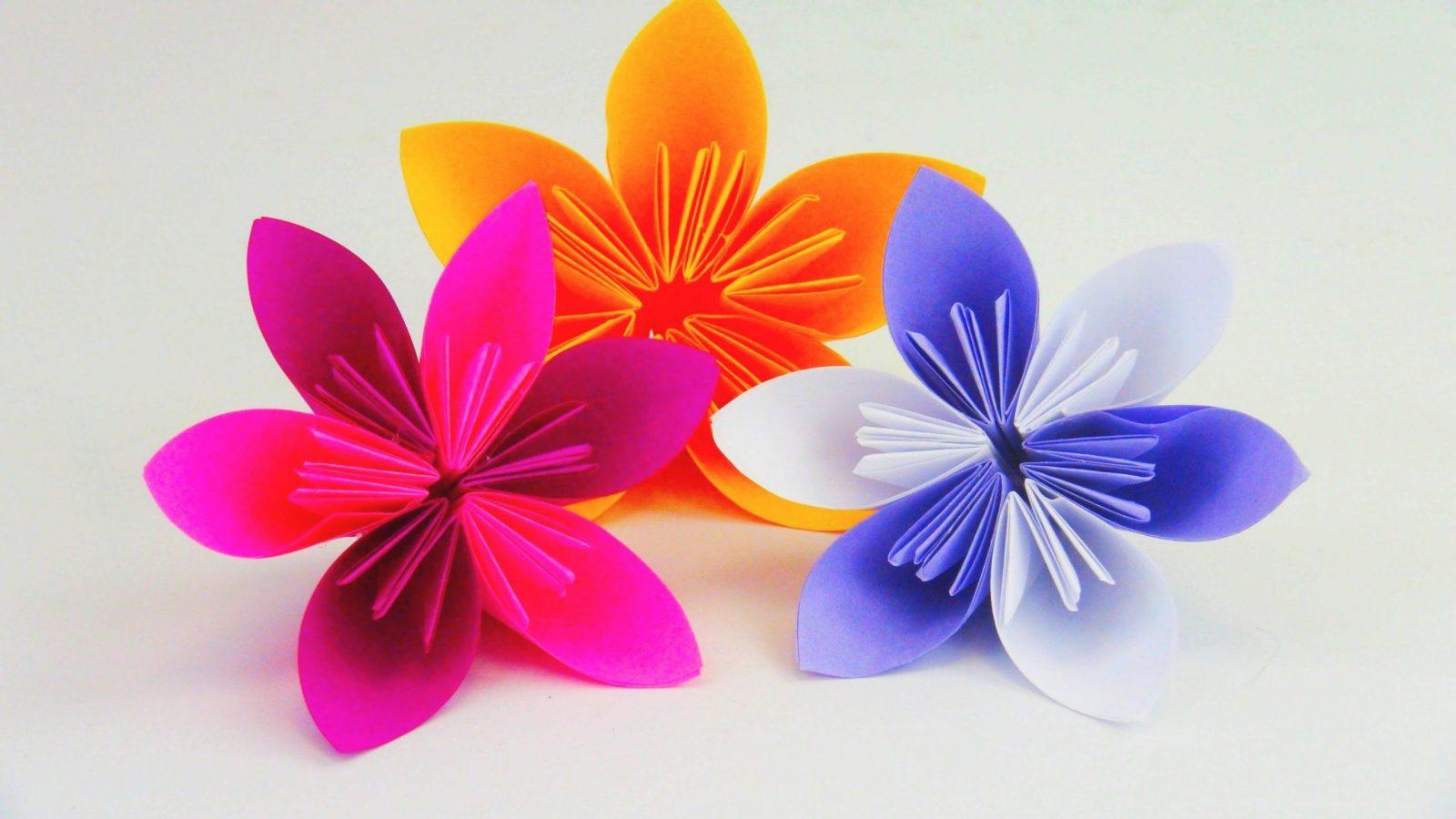 Blume Falten Origami Diy  Schöne Blumen Für Den Frühling  Ostern von Blume Aus Papier Falten Anleitung Bild
