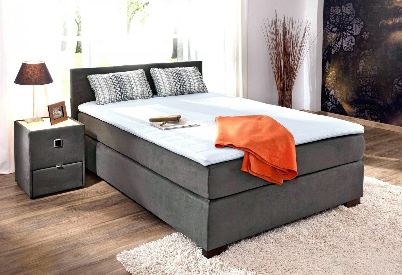 das boxspringbett von bruno 2016 youtube von bugatti gold boxspringbett bild haus design ideen. Black Bedroom Furniture Sets. Home Design Ideas