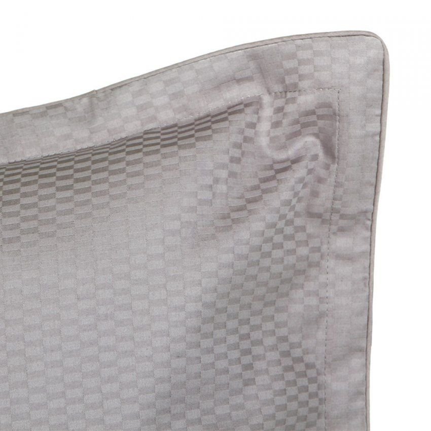 Buy Hugo Boss Loft Pillowcase  Silver  Amara  Dibinekadar Decoration von Hugo Boss Bettwäsche Bild