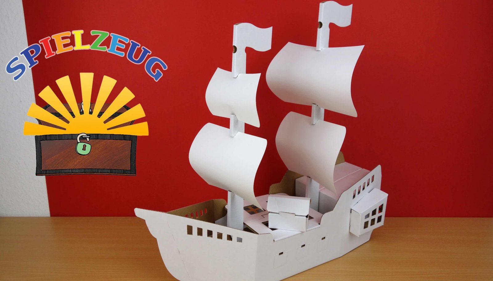 Calafantpiratenschiff D2513X Piraten Pirates Ship Aufbauen Anmalen von Boote Basteln Mit Kindern Photo