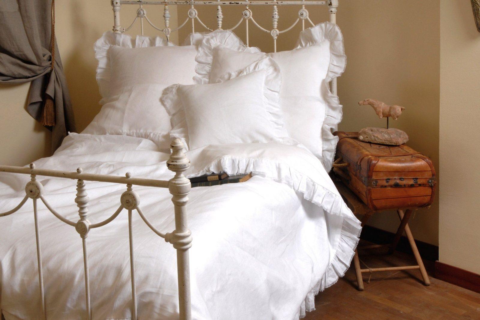 Charmante Ideen Weiße Bettwäsche Mit Rüschen Und Wunderbare Bdt Das von Bettwäsche Mit Rüschen Bild