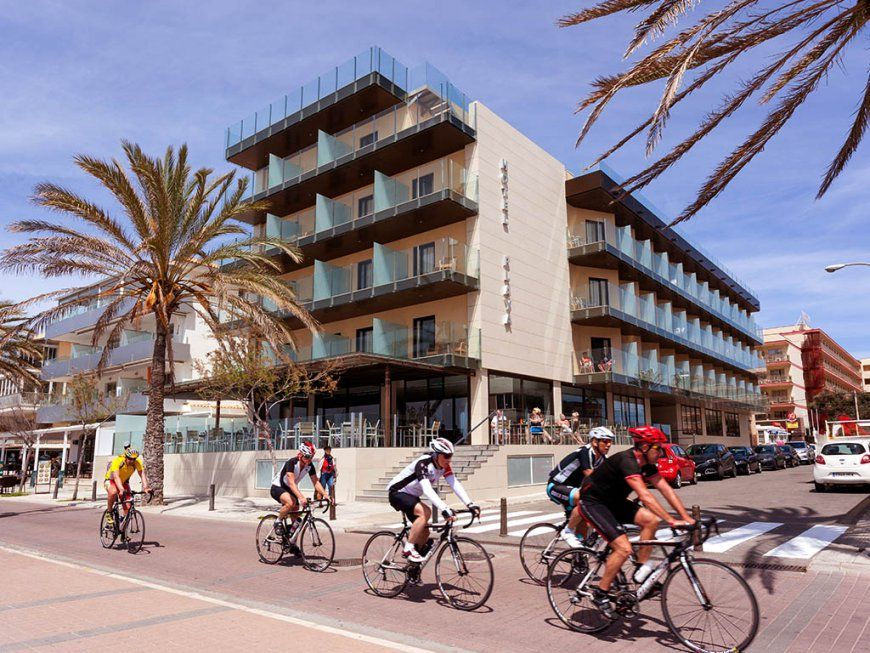 Clips Mallorca Cycling  Hotel Playa von Hotel Playa In Can Pastilla Photo