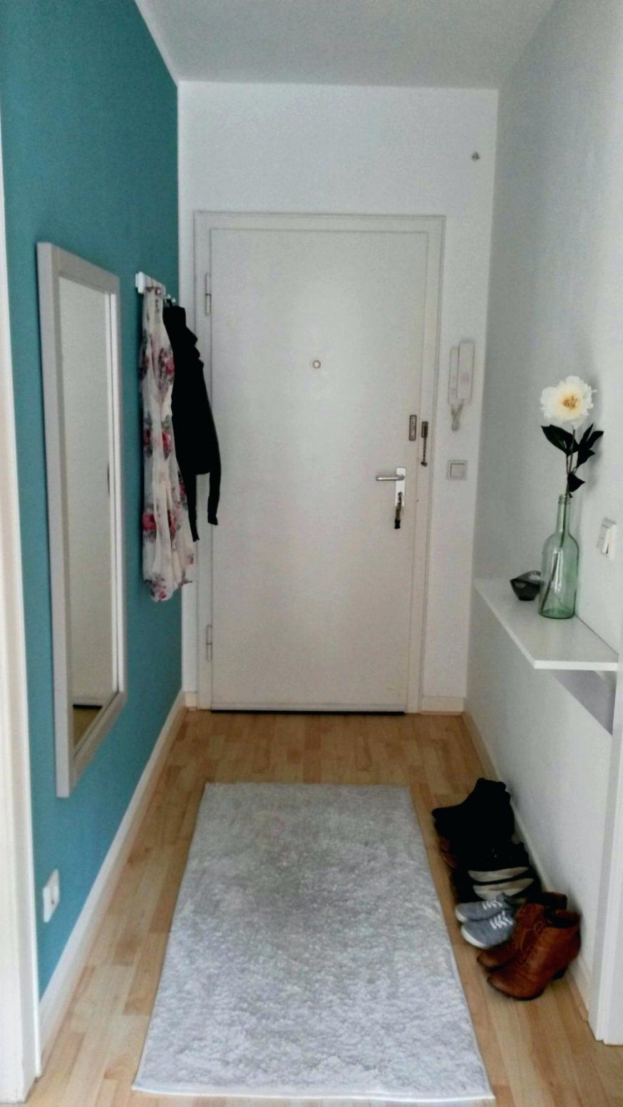 Coole Garderobe Cool Schmaler Flur Stilvolle Bilder Wohnpixx von Ideen Für Schmalen Flur Bild