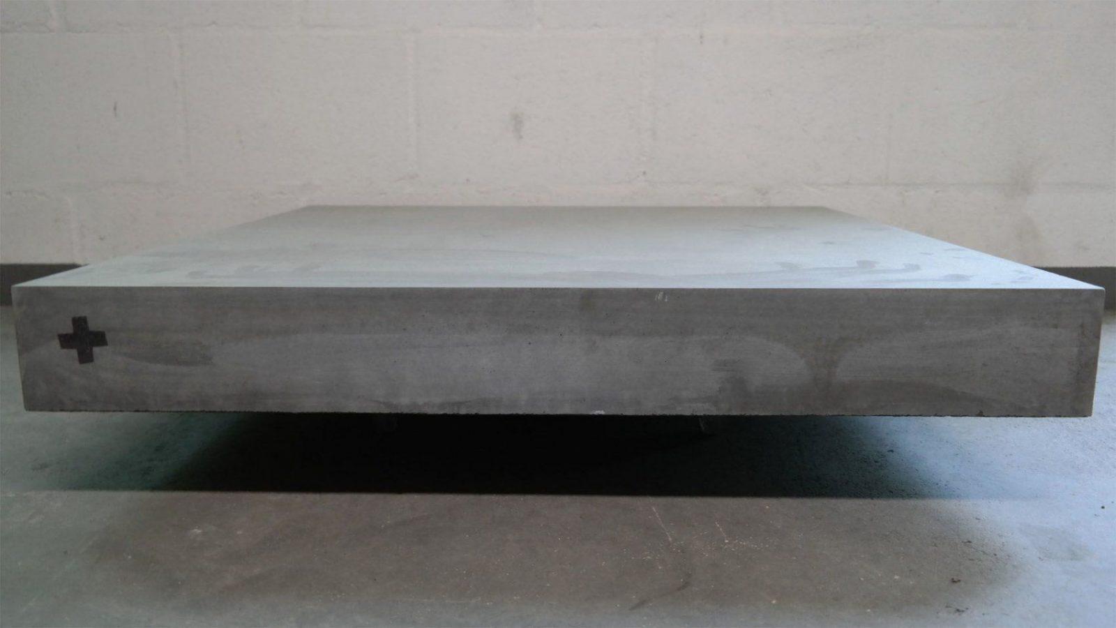 Diy anleitung beton tisch selber bauen mit carameo beton for Designer couchtisch reduziert