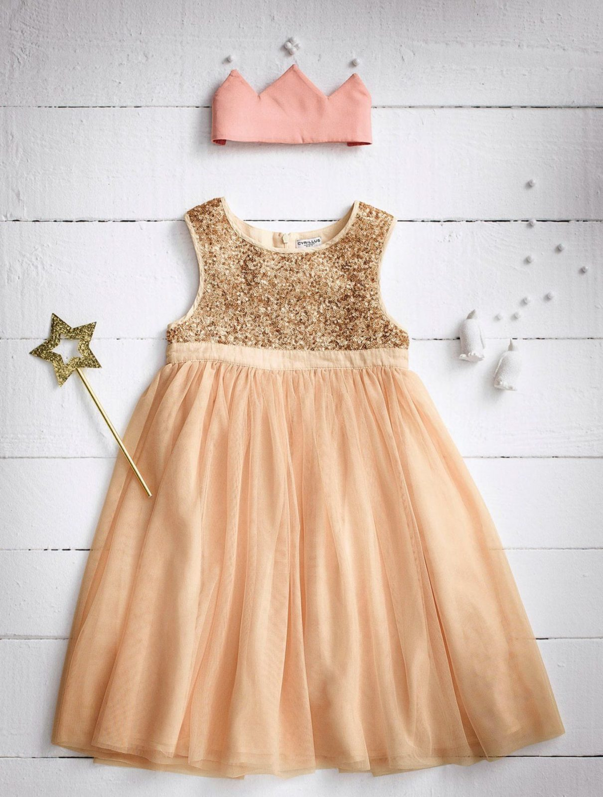 Cyrillus Prinzessinkleid In Rosagoldfarbige Zechinen von Bettwäsche Prinzessin Kleid Bild