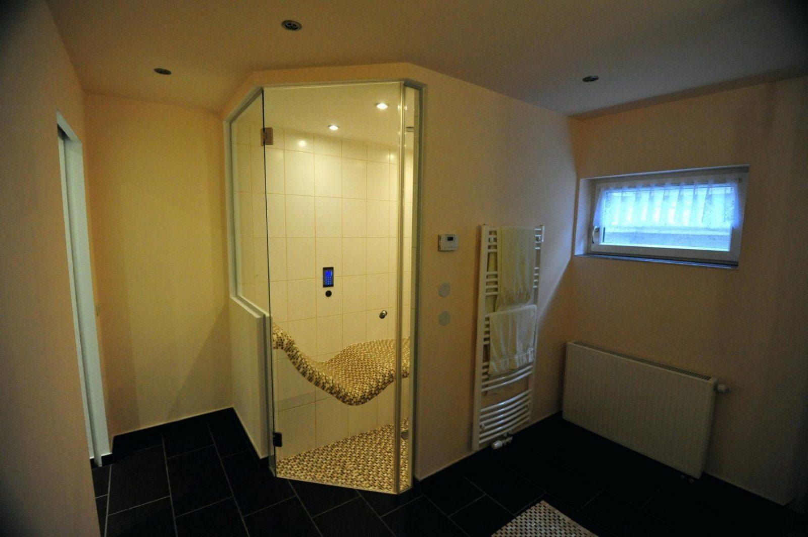 Dampfbad Selber Bauen Steam Bath Sauna Im Keller Sole Romisches von Sauna Im Keller Selber Bauen Bild