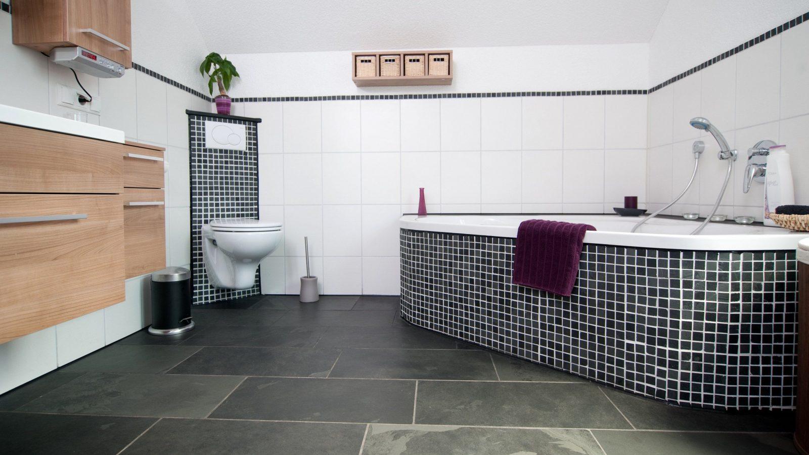 ... Delightful Badezimmer Grau Mit Mosaik Blau 14 Badfliesen Mosaik Von  Mosaik Fliesen Zum Aufkleben Bild ...