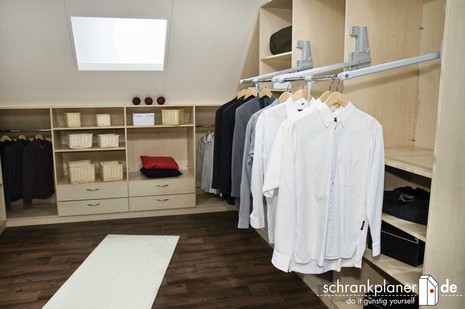 Design The Begehbarer Kleiderschrank In Dachschräge Selber Bauen For von Begehbarer Kleiderschrank Selber Bauen Ikea Bild