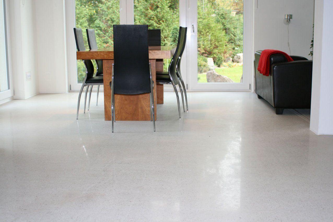 Designestrich Geschliffen Und Poliert In Moderner Villa  Bosus von Polierter Estrich Als Fussboden Photo