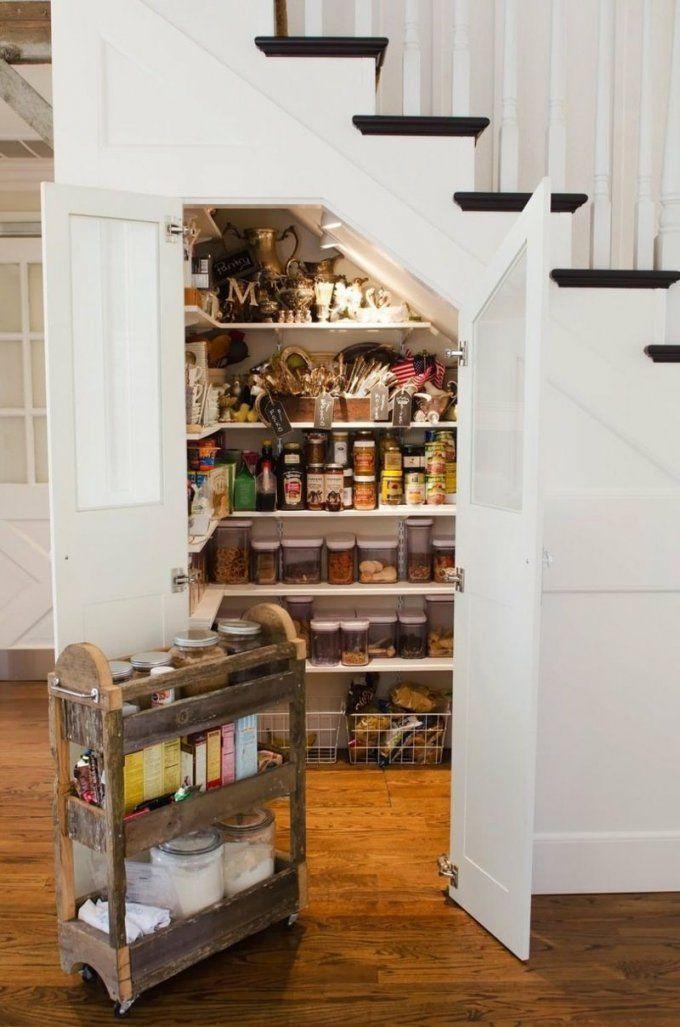 Die Treppe In Eine Kleine Speisekammer Verwandeln  Ideas For The von Stauraum Unter Offener Treppe Bild