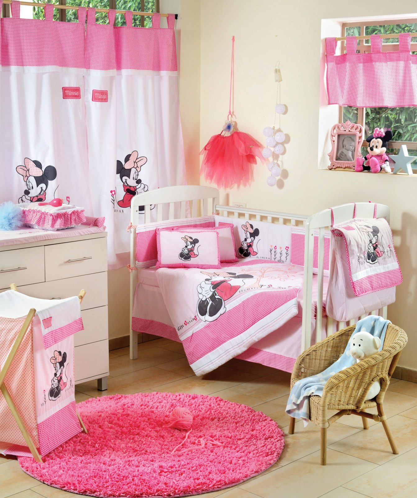 Disney Baby Minnie Mouse Flower 4 Piece Crib Set  Girls Crib von Baby Bettwäsche Minnie Mouse Bild