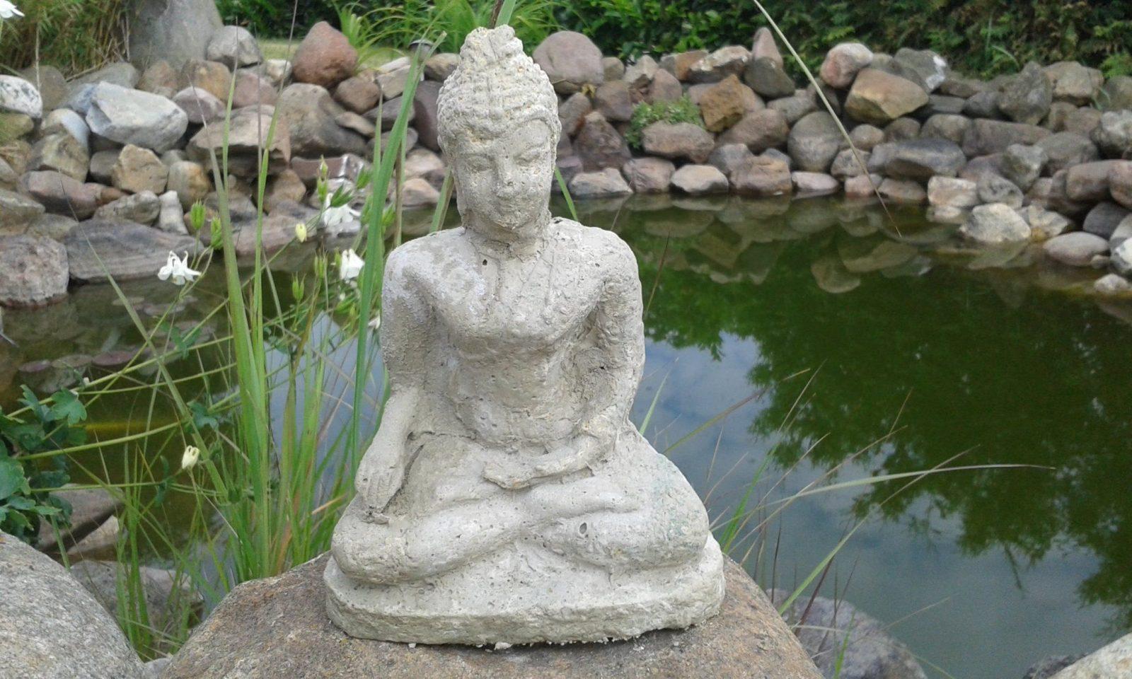 Diy Beton Figur Gießen Mit Eigener Silikonform  Stein Deko von Skulpturen Für Den Garten Selber Machen Bild