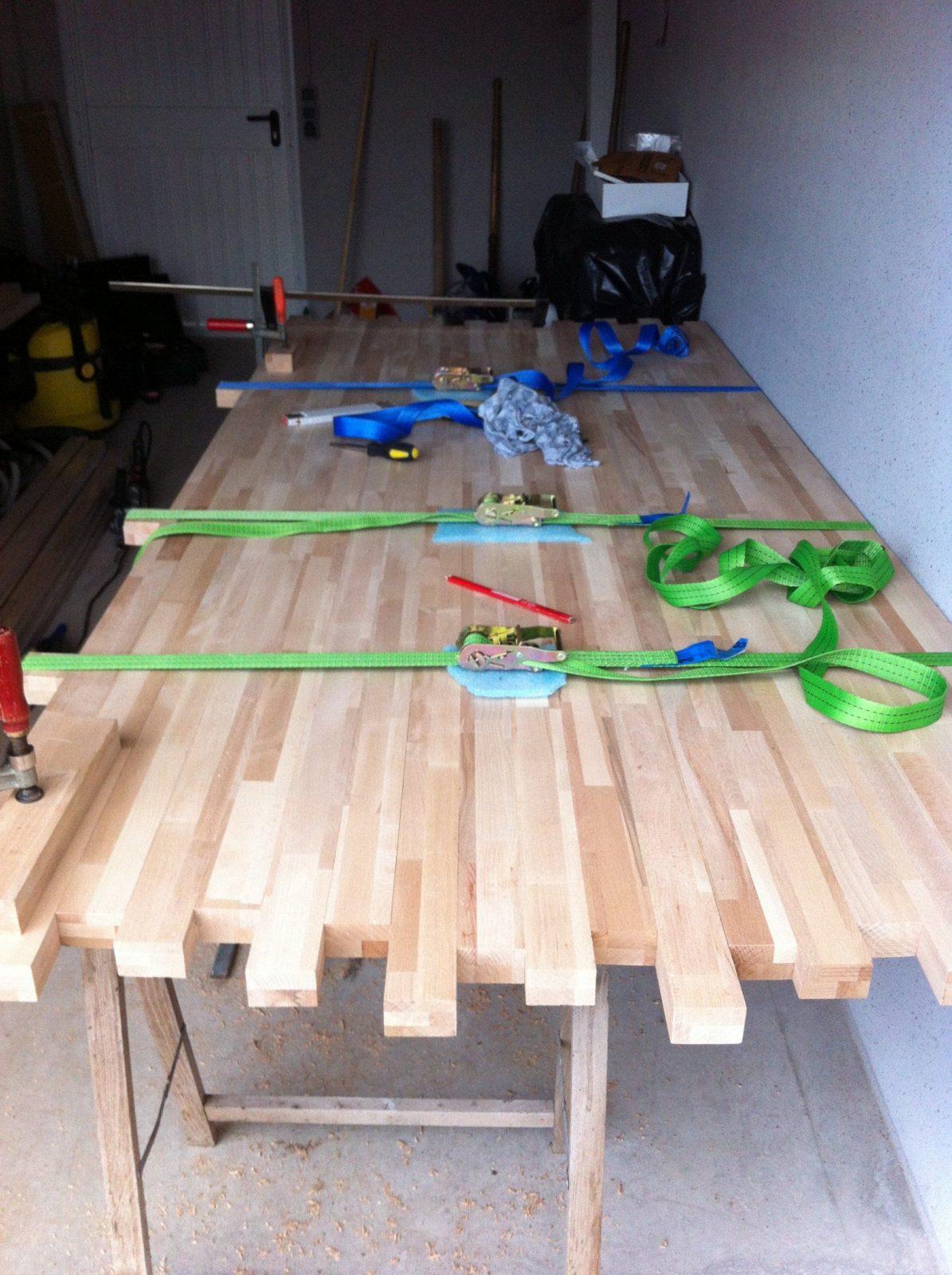 Diy – Esstisch Selbst Gemacht  Wir Bauen Unser Haus von Rustikaler Holztisch Selber Bauen Bild
