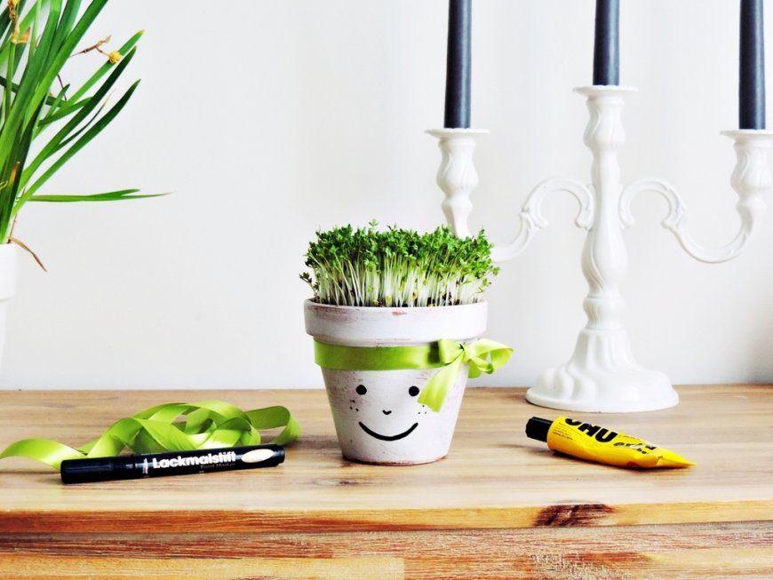 Diy  Kräuterkunde Für Kinder – Blumentöpfe Einfach Selbst Gestalten von Bilder Gestalten Mit Kindern Photo