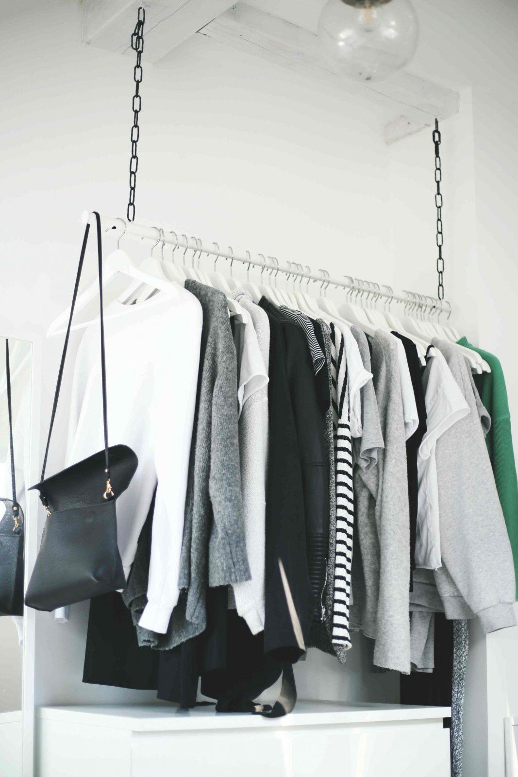Diy Wardrobe Area  Hängende Kleiderstange  Do & Live von Kleiderstange Von Der Decke Photo
