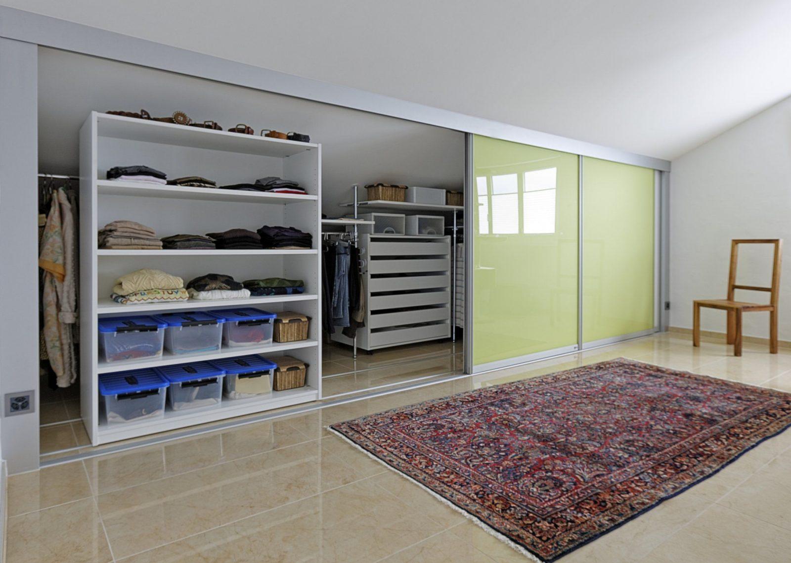 Erfreut Kleiderschränke Für Dachschräge Galerie  Wohnzimmer von Ideen Begehbarer Kleiderschrank Dachschräge Photo