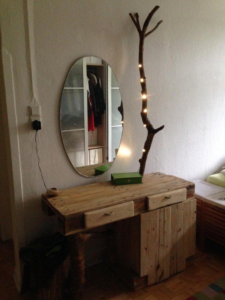 Europalettenschminktisch Mit Borkenkäferästen Und Leds von Schminktisch Beleuchtung Selber Bauen Bild