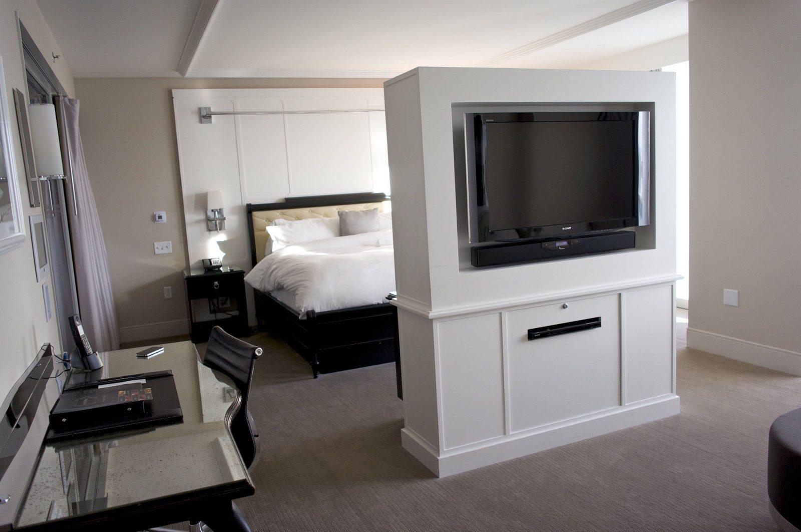 Fabelhafte Bett Im Wohnzimmer Verstecken Tv Verstecken Simple Cool von Fernseher Im Wohnzimmer Verstecken Photo