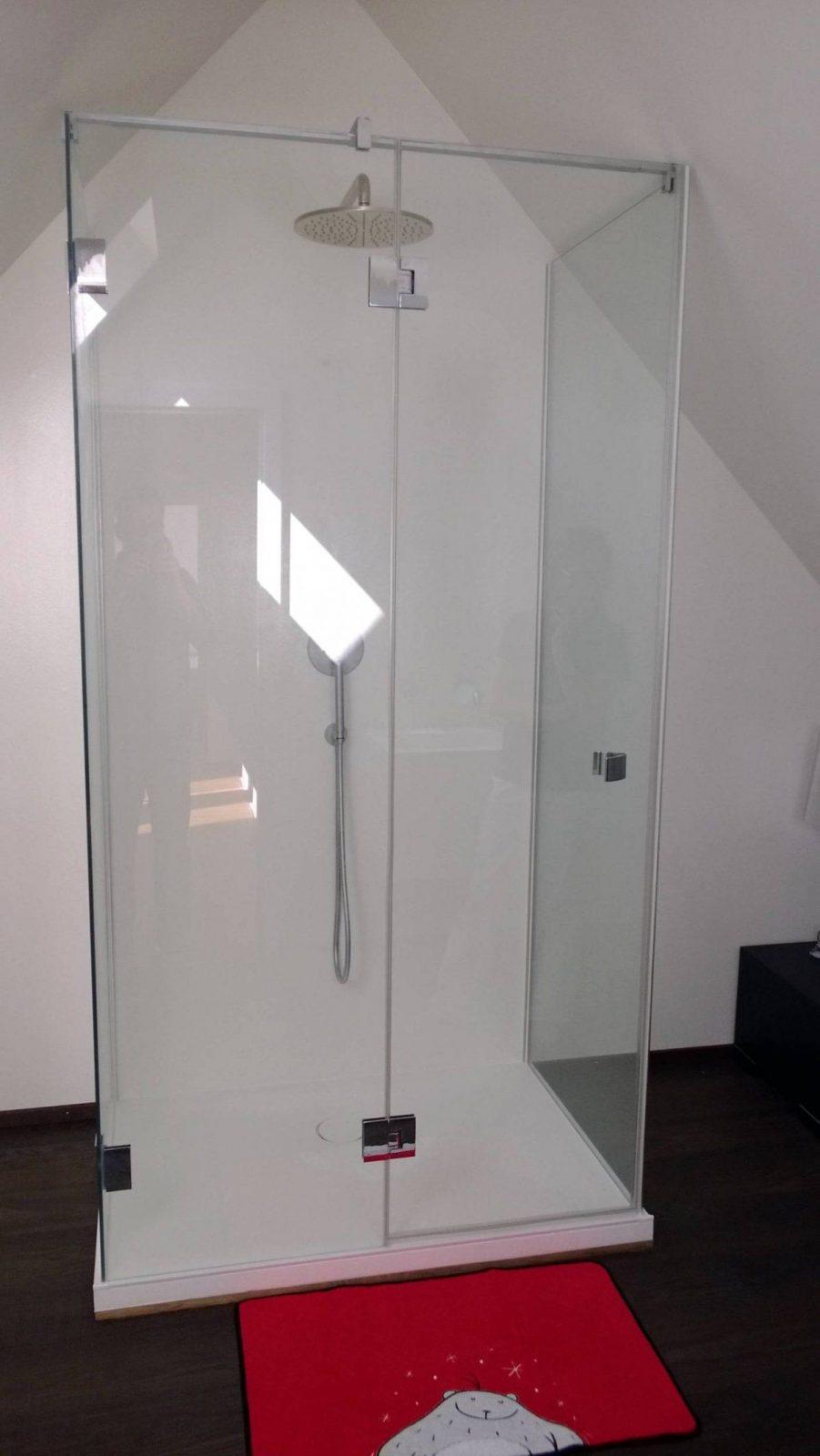 kleines bad mit dachschr ge birenbach 73102 bw von dusche dachschr ge kleines bad photo haus. Black Bedroom Furniture Sets. Home Design Ideas