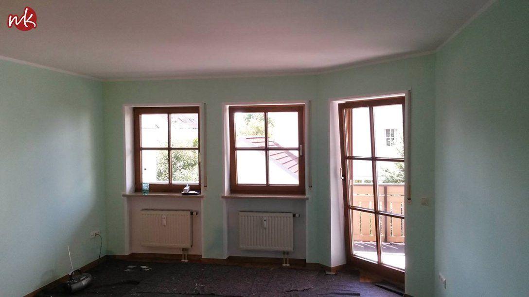 Farbige Wand Mit Weißem Rahmen Einfamilienhaus Farbig Streichen von Wand Streichen Mit Rand Photo