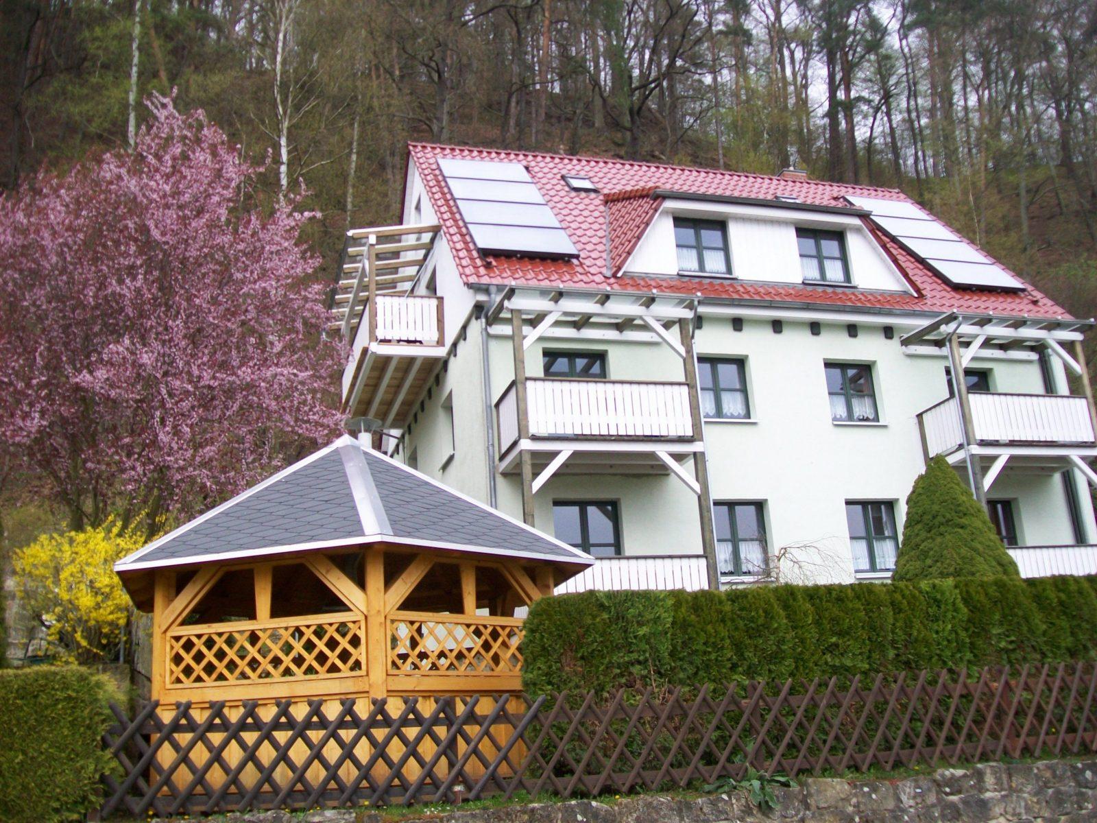 Ferienwohnungen Im Haus Heidi Rathen  Im Elbsandsteingebirge In Der von Hotel Gut Und Günstig Lauchhammer Photo
