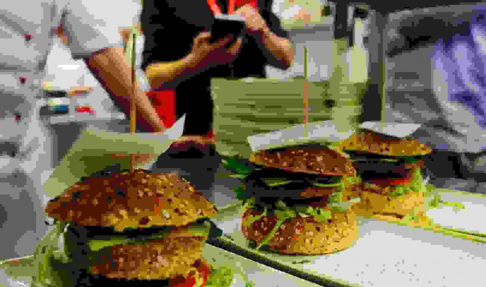Five Diner  Frühstück Burger Sandwiches Toast Salate von Five Diner Nürnberg Speisekarte Bild