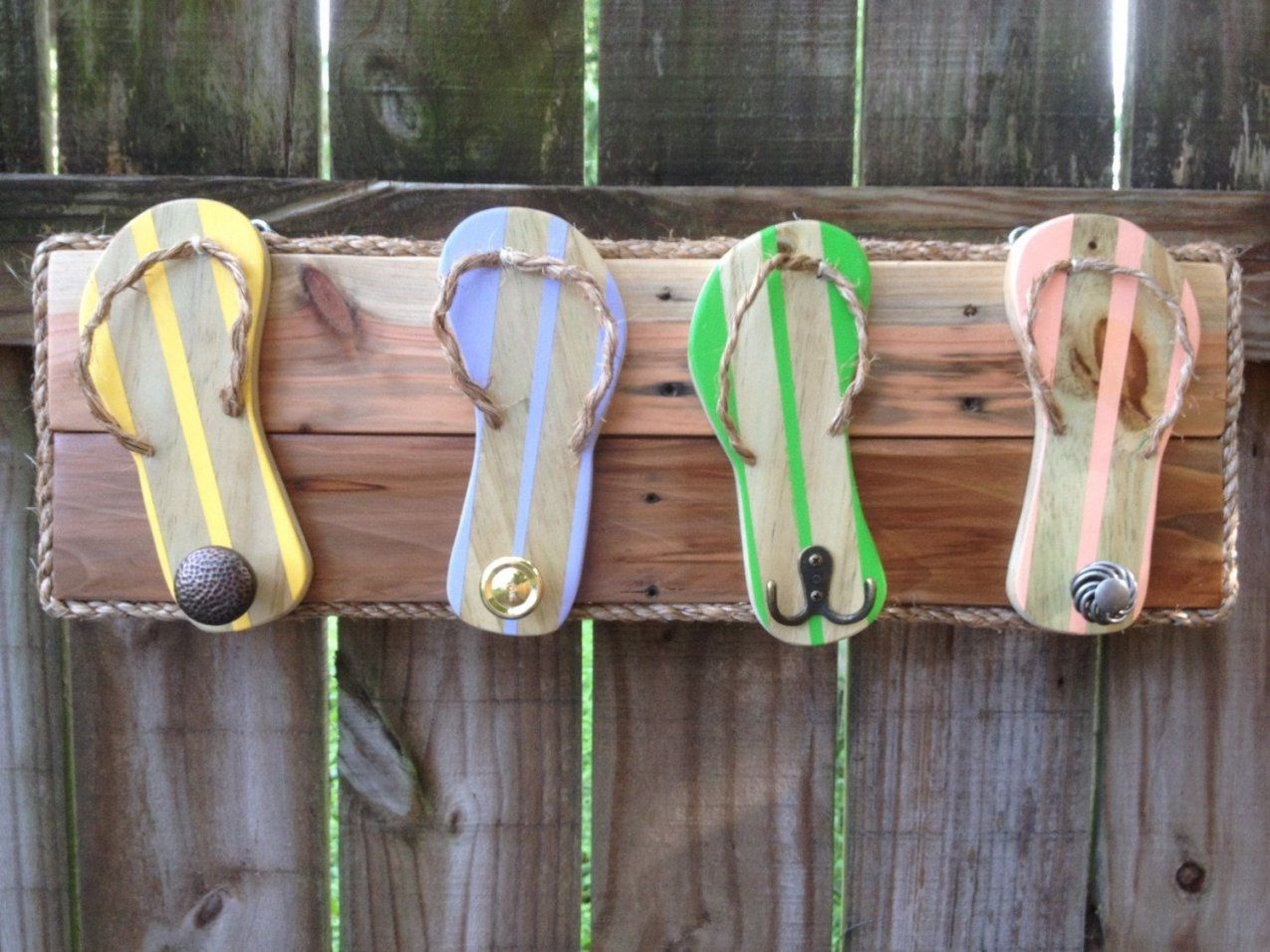 Flip Flop Towel Holder  Outdoor Shower Hooks  Bathroom Towel Rack von Beach Themed Towel Hooks Bild