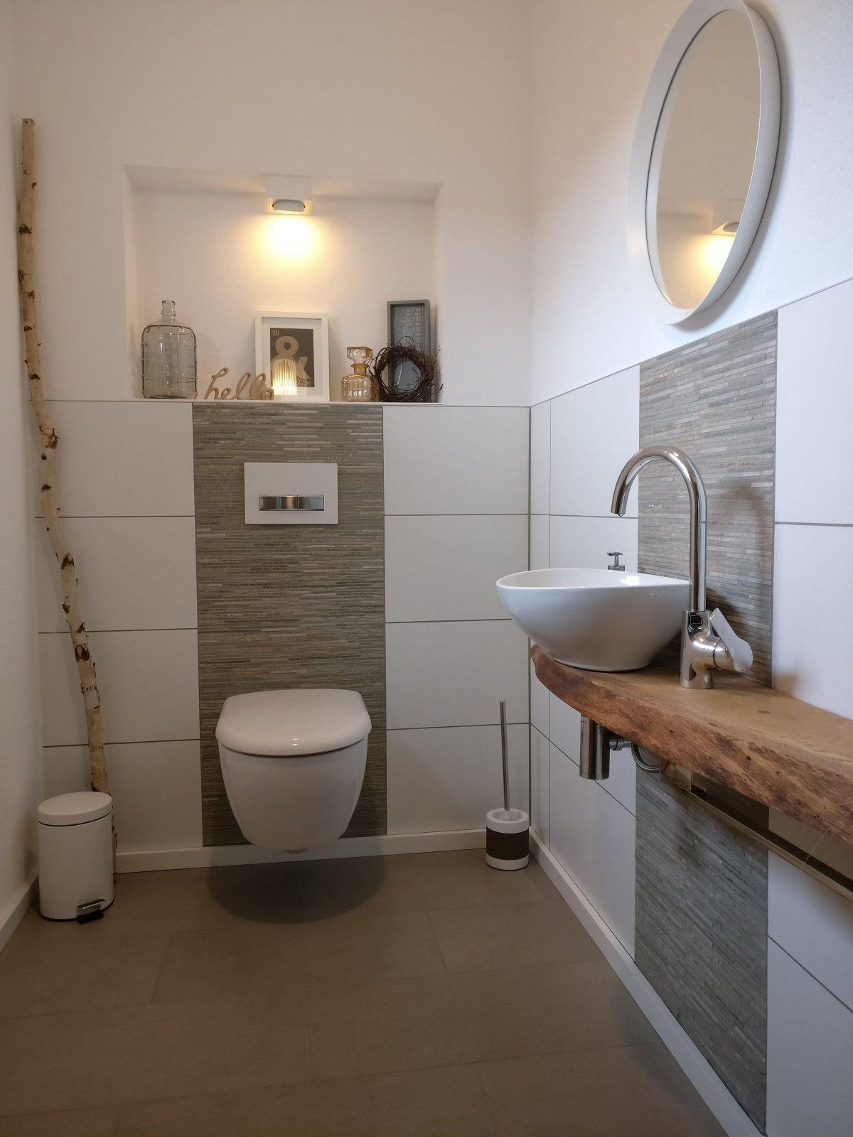 Für Gäste  Eichenbohlen Verfugen Und Aufsatzwaschbecken von Gäste Wc Gestaltung Beispiele Bild