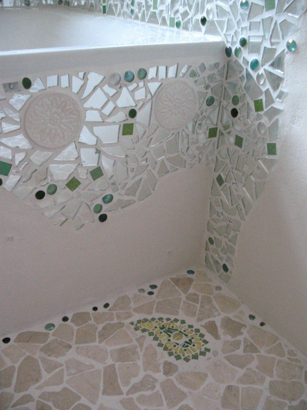 Gallery Of Mosaik Im Garten Badezimmer Renovieren Selber Machen Avec von Spiegel Mosaik Selber Machen Bild