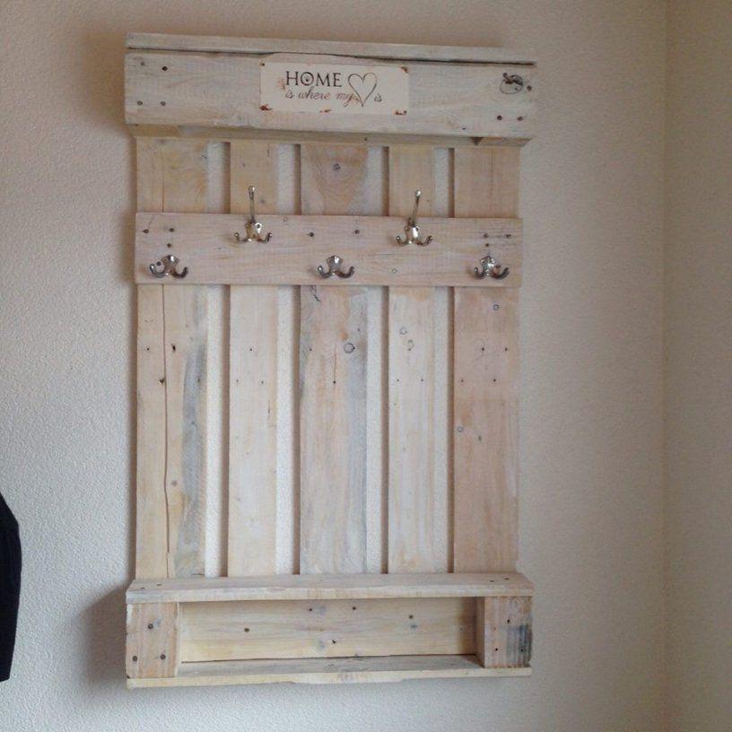 Garderobe Aus Einer Alten Palette   Ideen Rund Ums Haus von Garderobe Selber Bauen Aus Paletten Bild