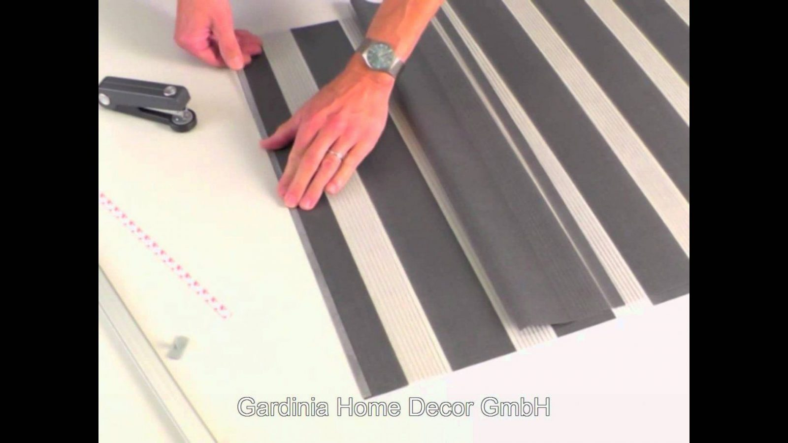 Gardinia Montagevideo Um Die Flächenvorhänge Day & Night Zu Kürzen von Gardinen Kürzen Ohne Nähen Photo