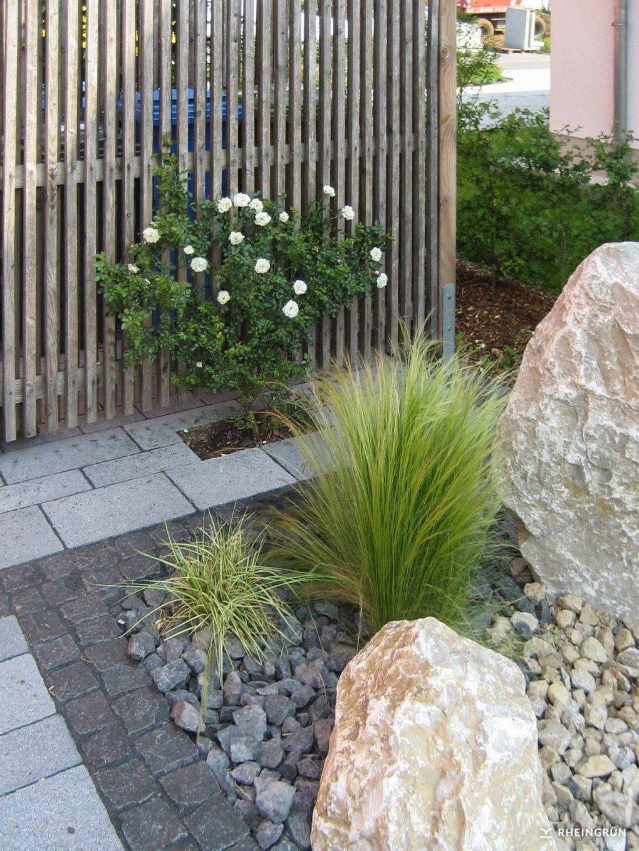 Garten Mit Steinen Gestalten Schön Pflegeleichter Vorgarten Mit von Gartengestaltung Mit Steinen Und Gräsern Bild