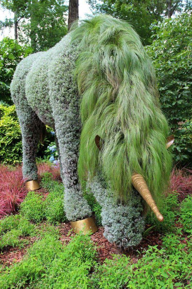 Garten Skulpturen Zum Selbermachen  Ein Einhorn Aus Pflanzen von Skulpturen Für Den Garten Selber Machen Photo