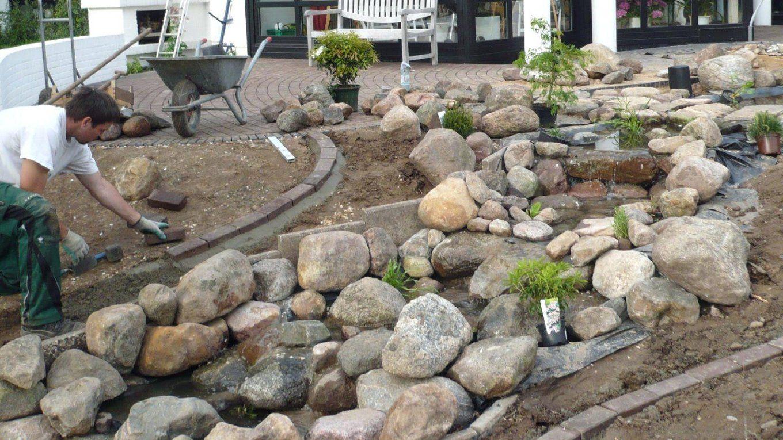 Garten Wasserfall Selber Bauen Bachlauf Fr Gartenteich Einfach Teich von Wasserfall Gartenteich Selber Bauen Photo