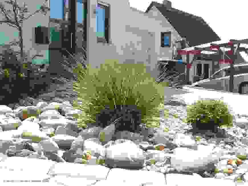 Gartengestaltung Bilder Modern Von Gartengestaltung Mit Steinen Und von Gartengestaltung Mit Steinen Und Gräsern Photo