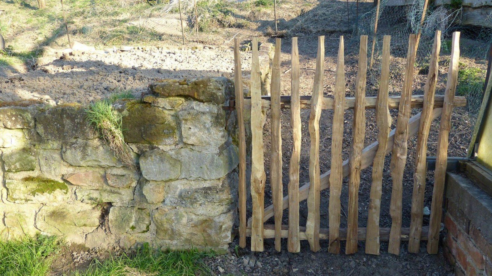 Gartengestaltung Gartentor Naturzaun  Holzzaun Selber Bauen  Youtube von Staketenzaun Tor Selber Bauen Photo