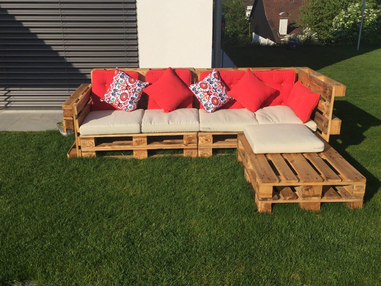 Gartenlounge Aus Paletten Selber Bauen  Heimwerkerking von Garten Lounge Aus Paletten Selber Bauen Bild