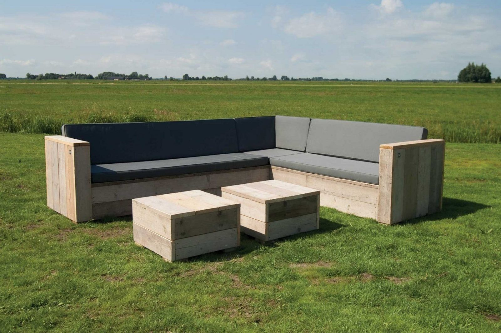 Gartenset Eckbank Aus Unbehandeltem Gerüstholz Mit Tisch Lounge von Bauholz Möbel Selber Bauen Bild