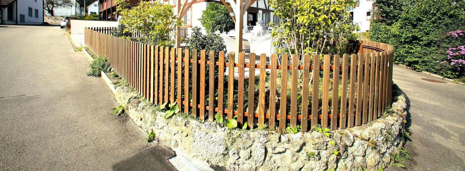 Gartenzaun Selber Machen Selbstbauzaun Fundament Zaun Aus Holz von Gartenzaun Selber Bauen Metall Photo