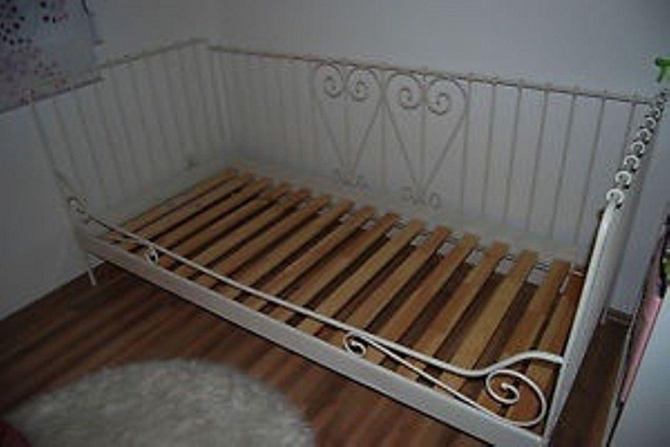 gebraucht ikea metallbett minnen wei 90x200 in 4931 mettmach um von ikea metallbett wei 90x200. Black Bedroom Furniture Sets. Home Design Ideas