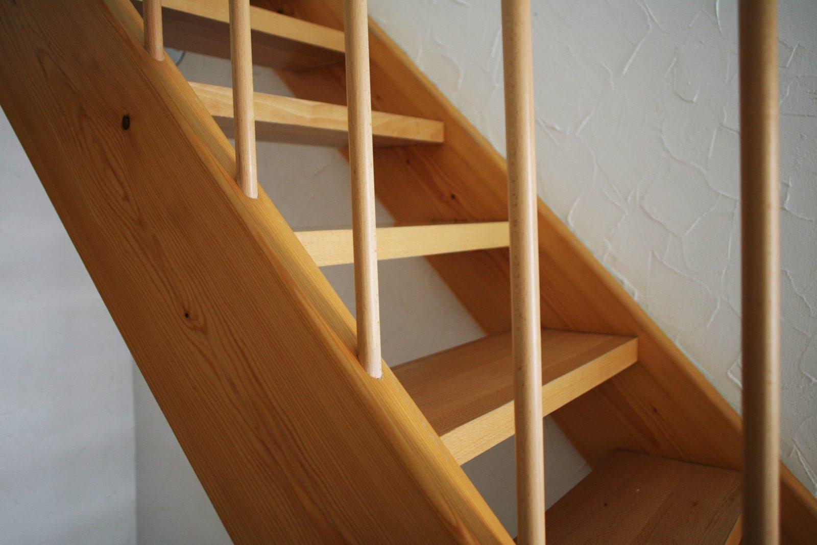 Gefahren Entfernen Kindersicherung Für Treppen von Kleine Treppe Selber Bauen Bild