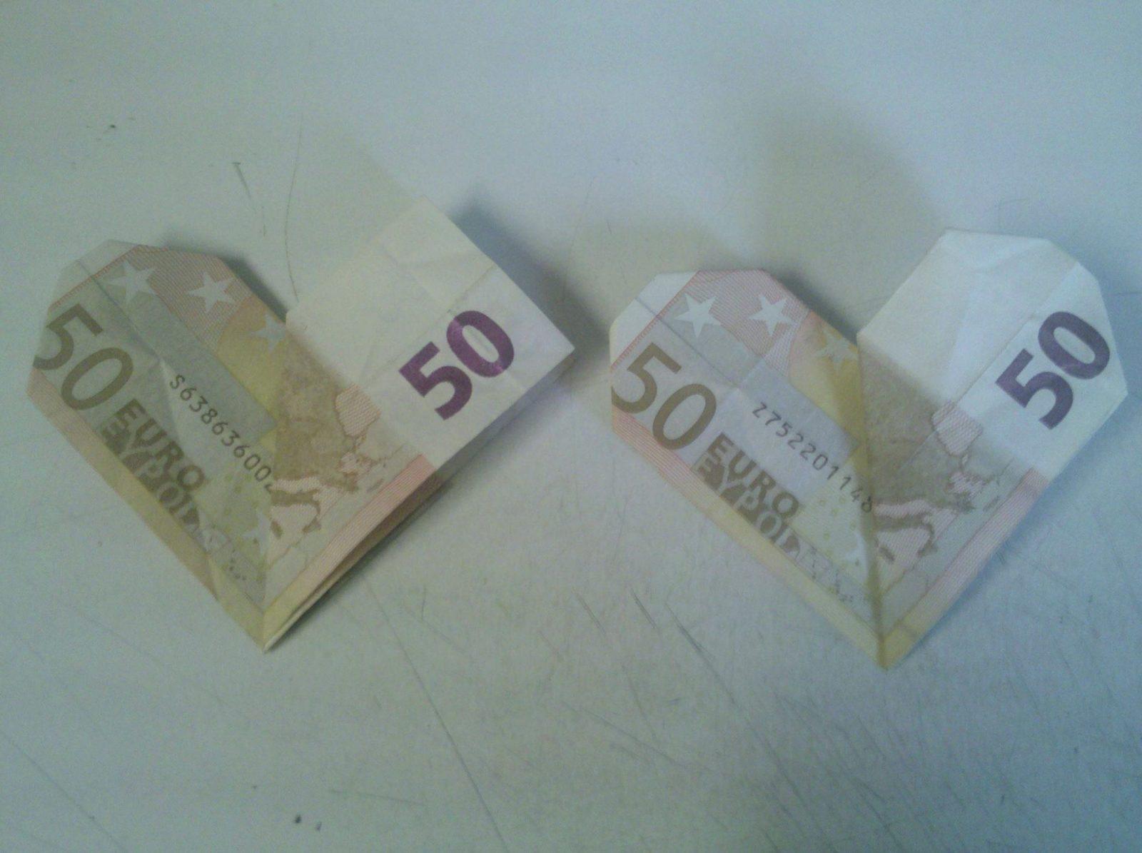 Geldschein Zu Herz Falten Wunderbar Herz Aus Geldschein Falten von Geldschein Zum Herz Falten Bild