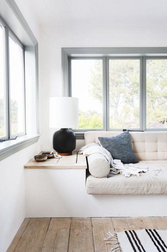 Gemütliche Sitzbank Am Fenster – Helle Leseecke Einrichten von Fenster Sitzbank Über Heizung Photo