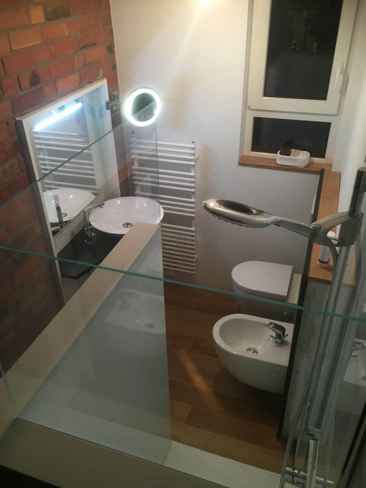 Glasduschrückwand Statt Fliesen In Der Dusche von Statt Fliesen Im Bad Photo