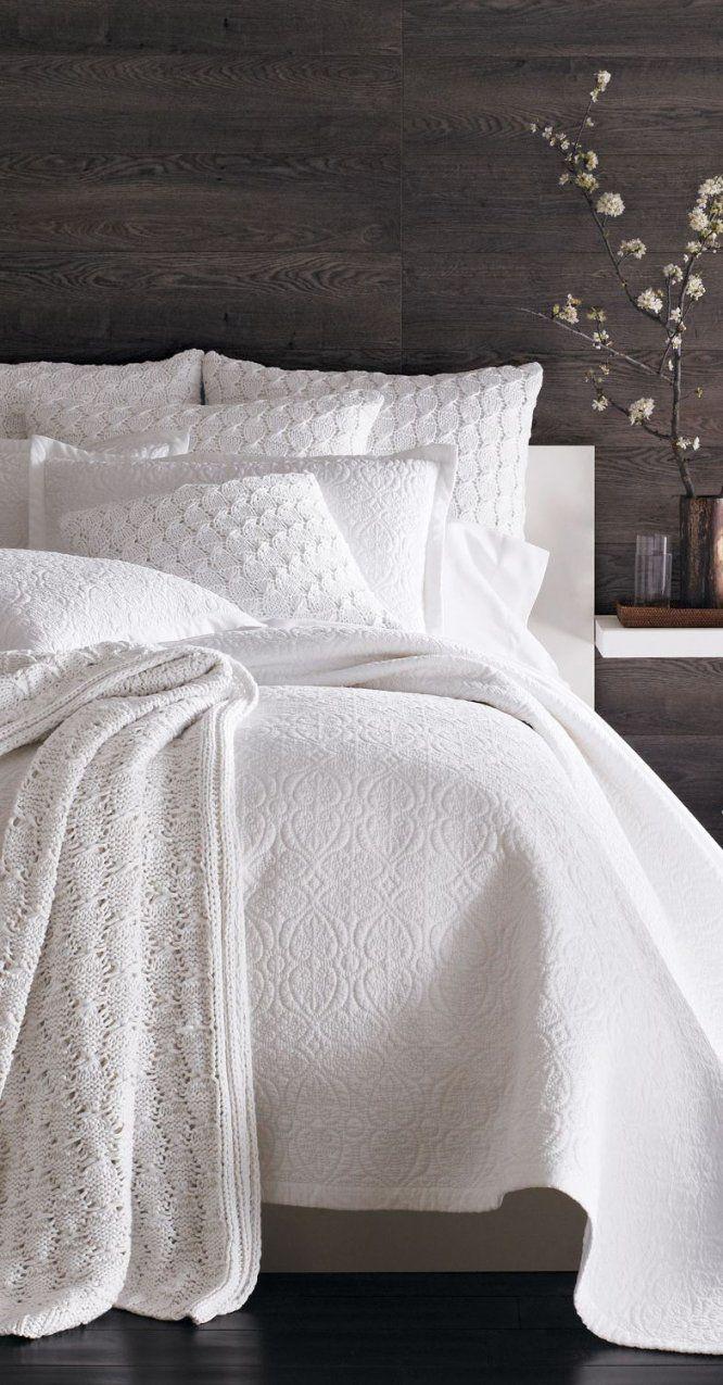Gorgeous Bedroom Designs  Weiss Schlafzimmer Und Bettwaesche von Weiße Bettwäsche Mit Spitze Bild