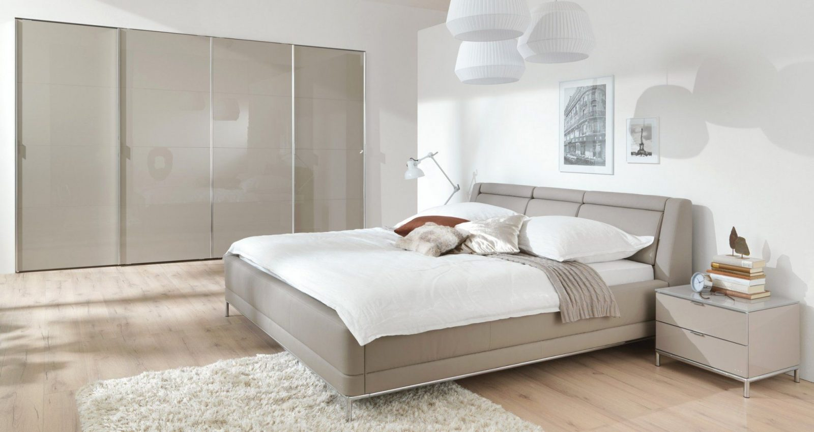 Groß Schlafzimmer Komplett Weiß Hochglanz Downshoredrift Für von Schlafzimmer Komplett Hochglanz Weiss Photo