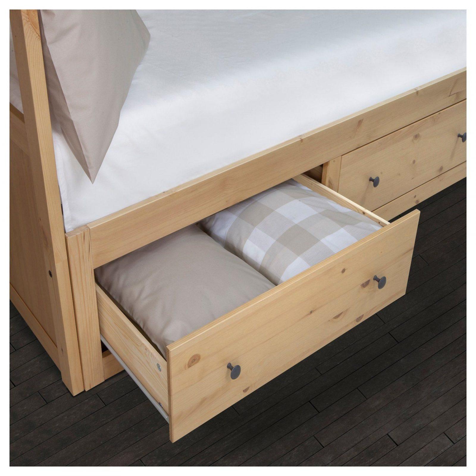 hemnes tagesbett2 schubladen2 matratzen hellbraunmalfors fest von ikea hemnes tagesbett. Black Bedroom Furniture Sets. Home Design Ideas