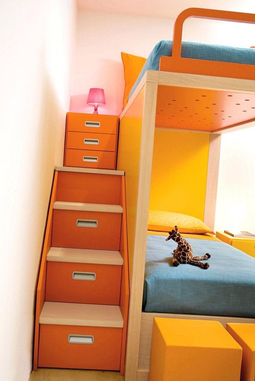 Hochbett Mit Schrank Innenarchitektur Kleines Schreibtisch Im von Hochbett Mit Treppe Und Schrank Photo
